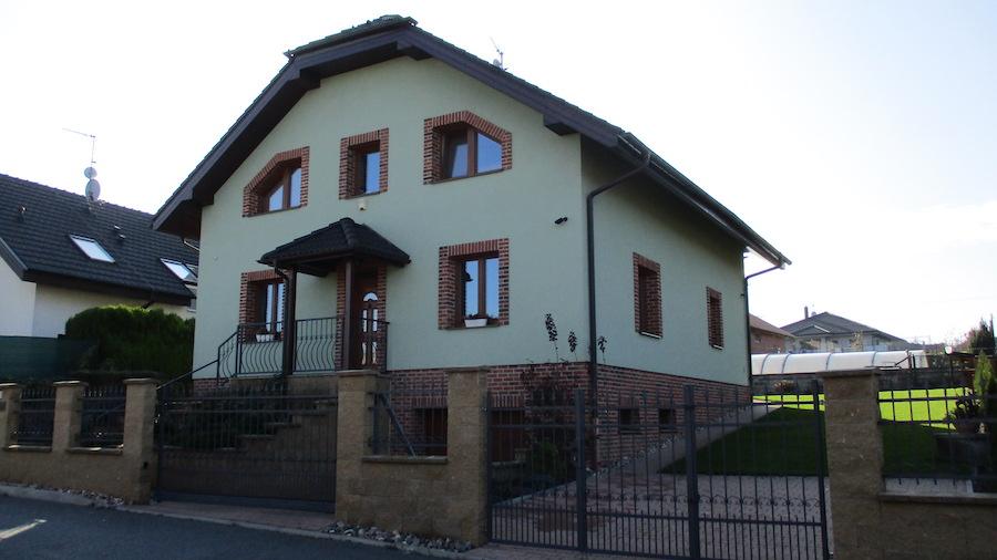 Rodinný dům Kralupy nad Vltavou, U Křížku 2, realizace 2009